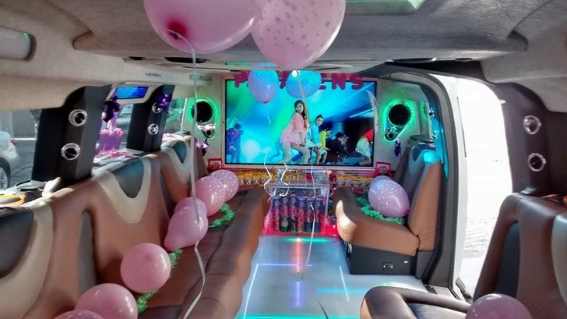 Aluguel de Limousine de Aniversário Debutante Santa Isabel - Aluguel de Limousine Rosa para Aniversário