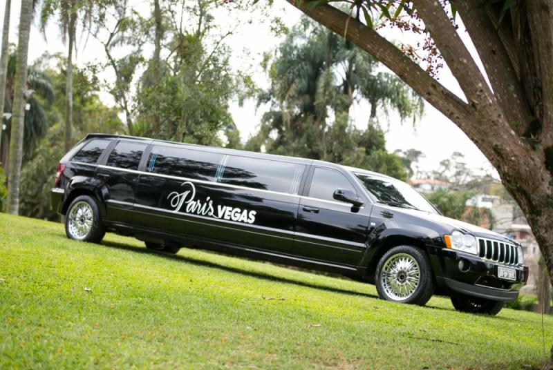 Aluguel de Limousine de Luxo para Eventos Cocais - Limousine de Luxo Branca para Noivas