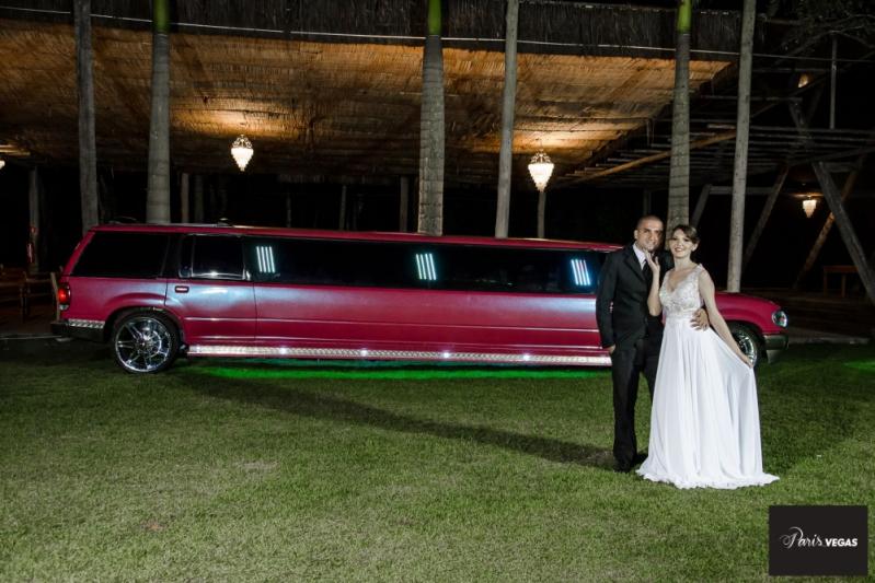 Aluguel Limousine Cor de Rosa Jaçanã - Aluguel Limousine Casamento