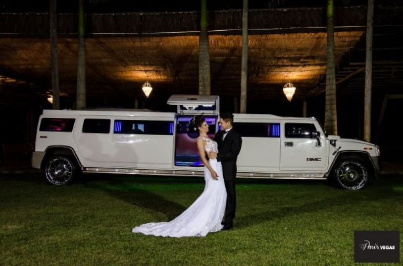 Limousine de Luxo Branca para Noivas Preço Aeroporto - Limousine de Luxo para Jantar Romântico