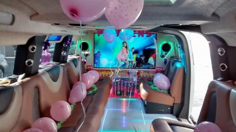 Locação de Limousine de Aniversário Debutante São Domingos - Locação de Limousine de Aniversário Debutante