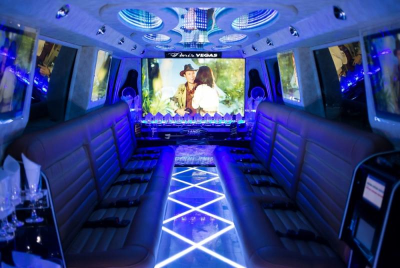 Onde Encontro Limousine de Luxo para Aniversário Cachoeirinha - Limousine de Luxo Branca para Boda de Ouro