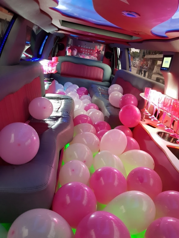 Preço de Aluguel Limousine para Festa Infantil com Personagem Litoral - Aluguel Limousine para Casamento