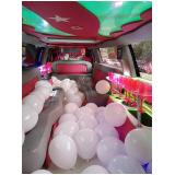 aluguel de limousine rosa de festa São Vicente