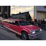 aluguel de limousine rosa para aniversário Taubaté