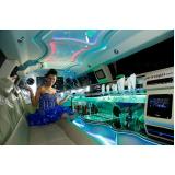 aluguel de limousine para festa debutante