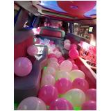 preço de aluguel limousine para festa infantil com personagem Água Branca